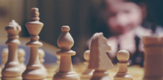 Play easy chess browser game online