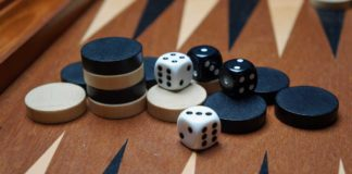 Play Backgammon online game